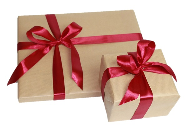 Dárkové balení do papíru se saténovou stuhou - k narozeninám nebo svátku