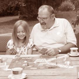 Hudba, filmy, četba, hry pro dědečky