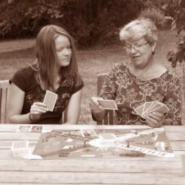 Hudba, filmy, četba, hry pro babičku